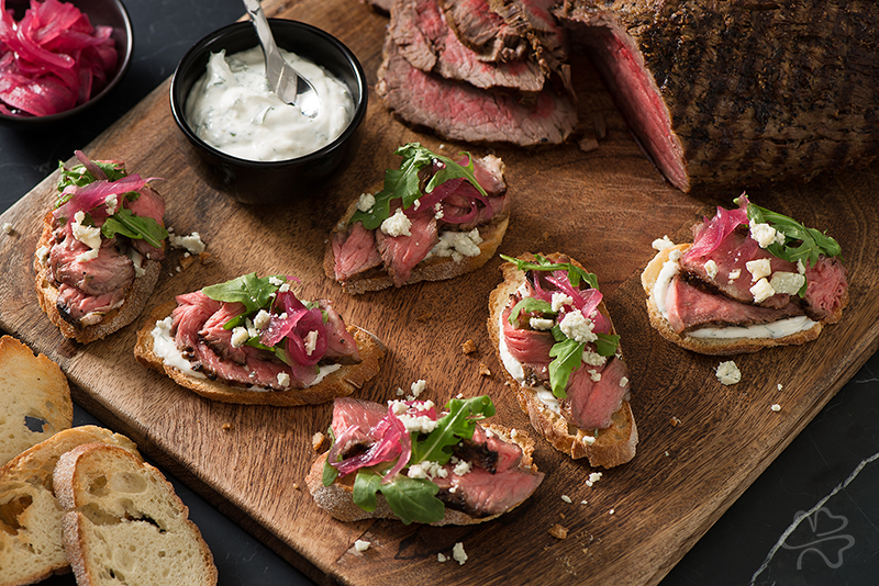 Grilled Tenderloin Crostini with Pickled Onions and Horseradish Cream Recipe Photo