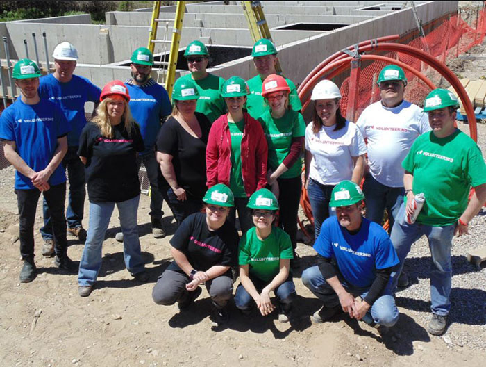 Flanagan Foodservice Team at Habitat for Humanity Build